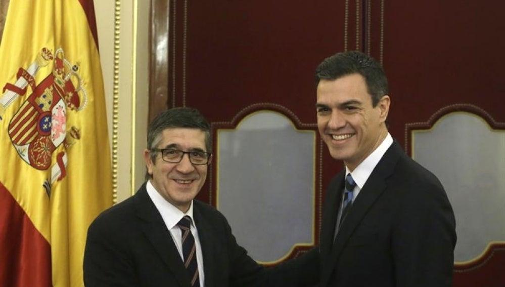 Patxi López,y el secretario general del PSOE, Pedro Sánchez