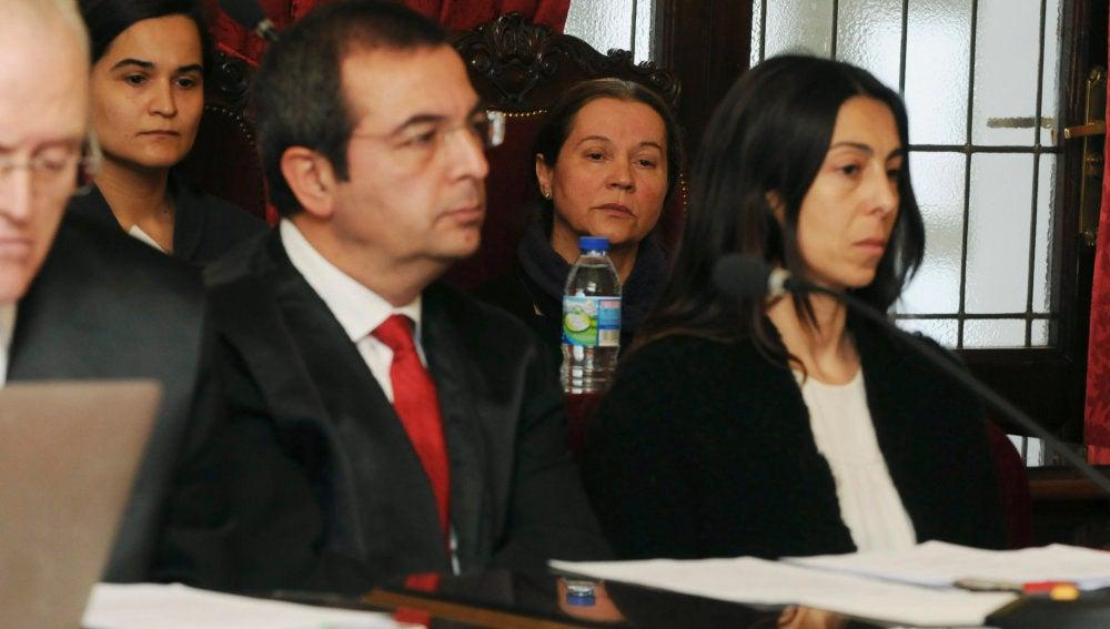 Las tres acusadas durante la última sesión de la vista del jucio