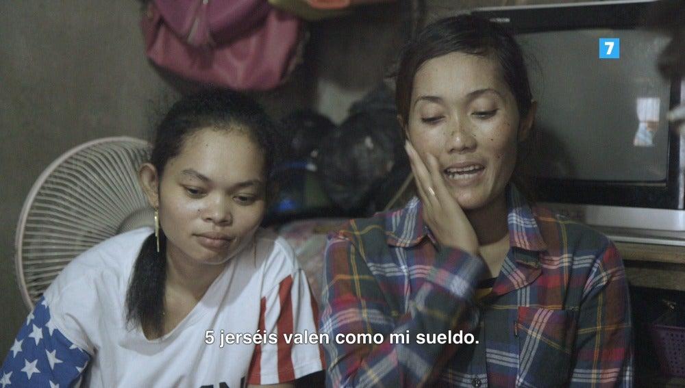 Una trabajadora del sector textil en el sudeste asiático