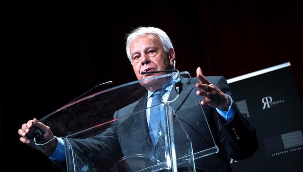 Felipe González en una conferencia en Madrid