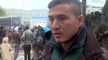 Un refugiado afgano, en el registro de Moria
