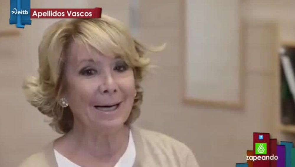Esperanza Aguirre canta en euskera
