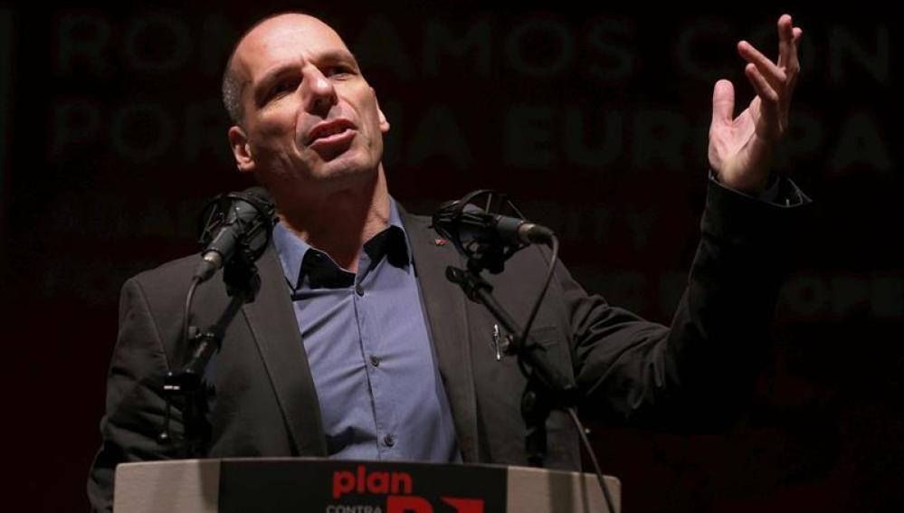 """Varoufakis da gracias a los españoles por no creer """"las mentiras"""" de De Guindos y de Rajoy"""