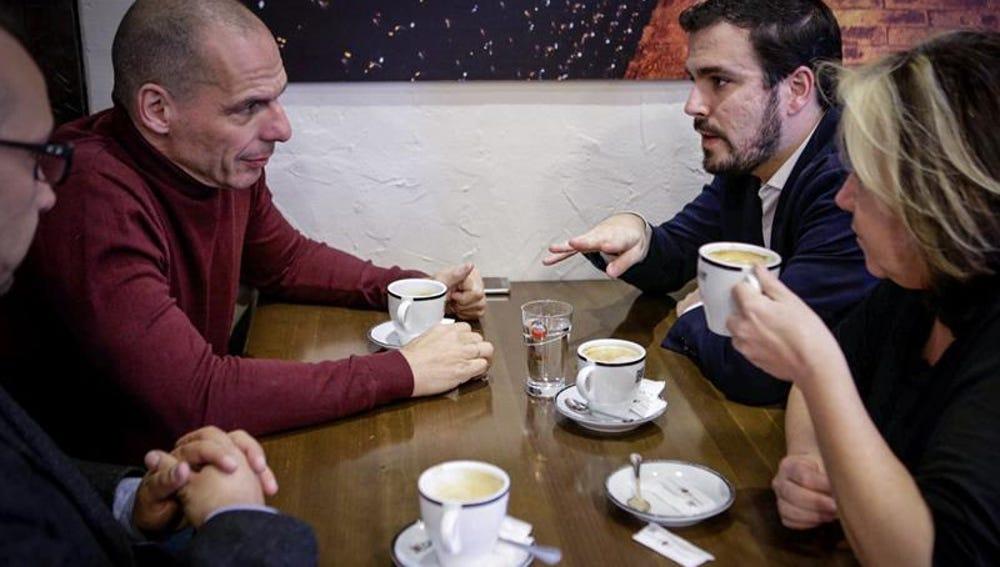 """Alberto Garzón: """"El nuevo Gobierno deberá resistir a la troika si quiere el voto de IU"""""""