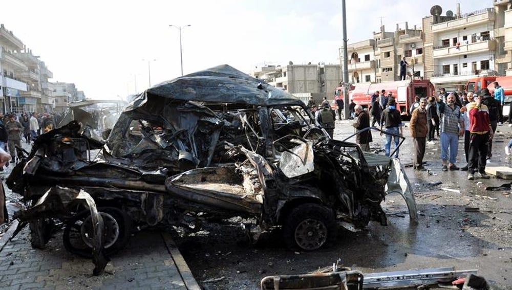 Los atentados fueron perpetrados con dos vehículos cargados de explosivos, en el barrio Al Zahraa