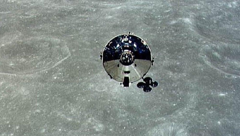Apolo 10 en la cara oculta de la Luna