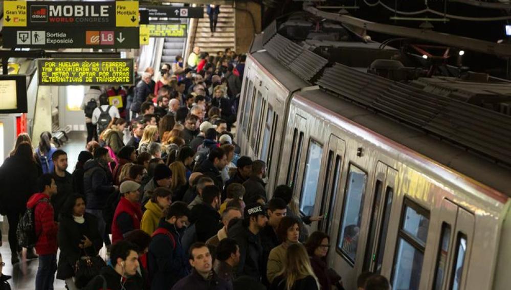 Aglomeraciones en el metro de Barcelona