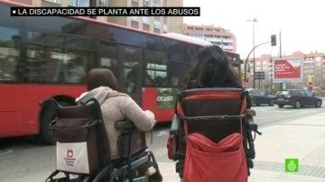 Minusválidos se quejan de la falta de buses adaptados