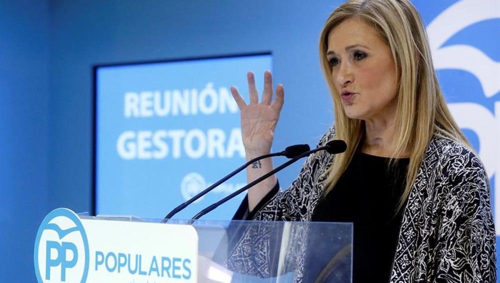 La presidenta de la Comunidad y de la gestora del PP de Madrid, Cristina Cifuentes, ofrece una rueda de prensa