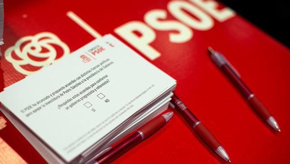 Papeletas de la consulta del PSOE