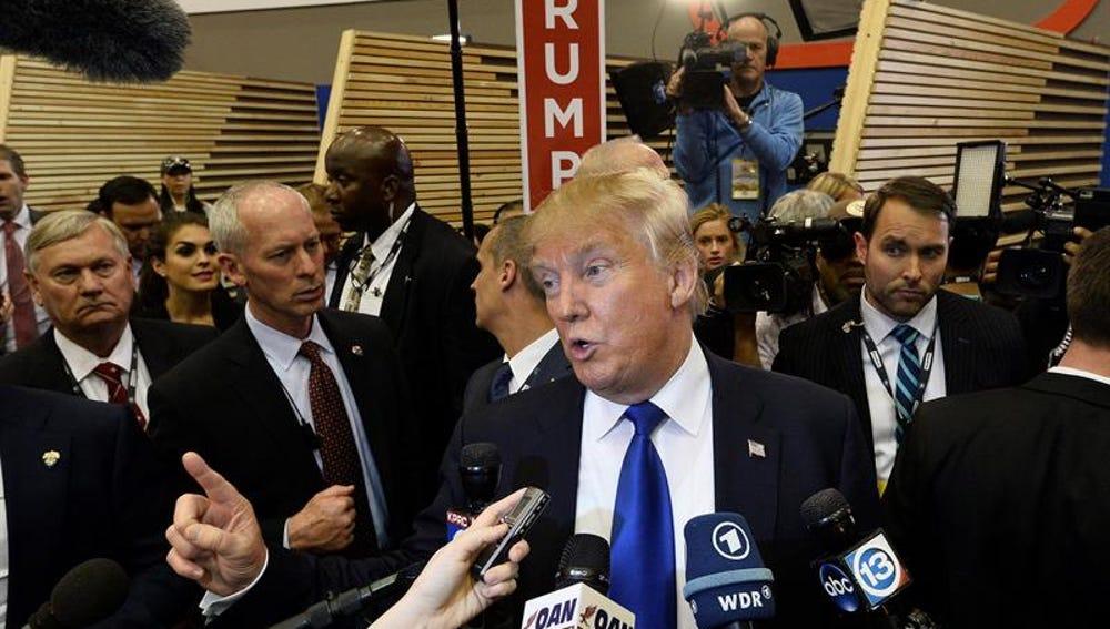 El aspirante a candidato presidencial por el partido republicano Donald Trump