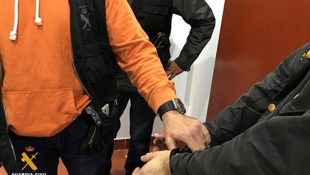 Una operación policial contra la pronografía infantil en Logroño se salda con un detenido y la incautación de más de 80.000 archivos