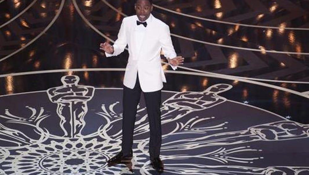 Chris Rock presentando los Oscar