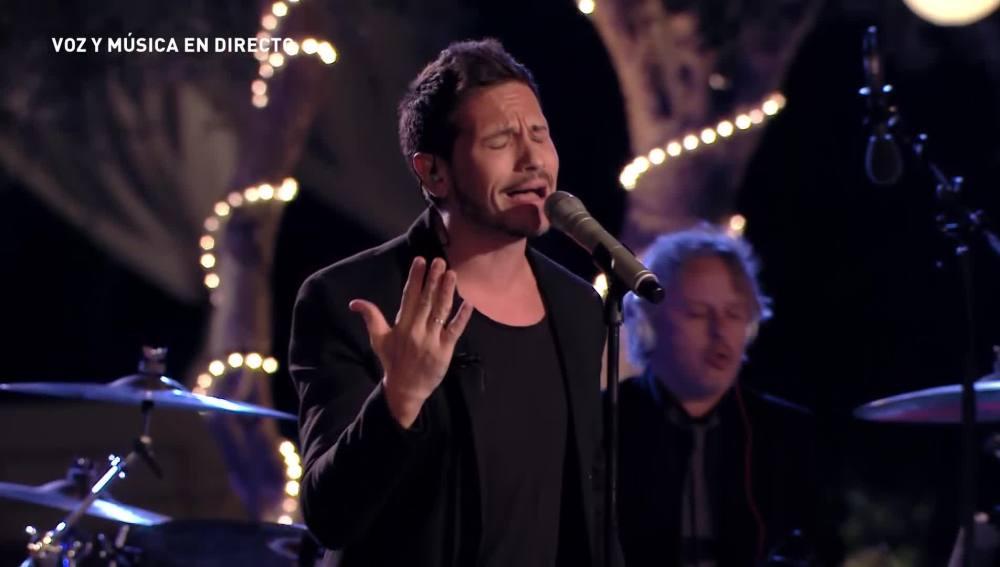 David DeMaría cantando en A mi Manera