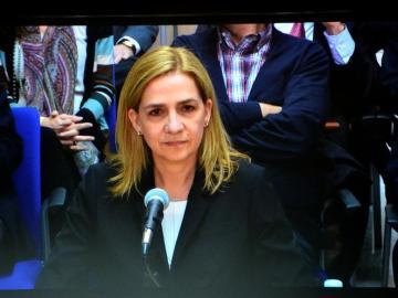 Imagen de la infanta Cristina a través del monitor de la sala de prensa