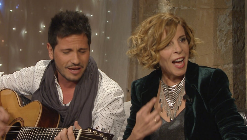 Sole Giménez cantando con David deMaría
