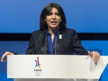 La alcaldesa de Paris, Anne Hidalgo, defiende a Nadal