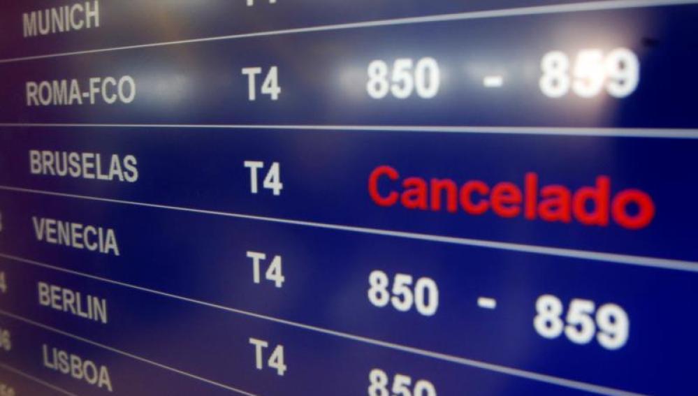 Panel informativo de la T4, en el aeropuerto Adolfo Suárez Madrid-Barajas