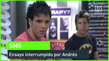 Andrés interrumpe el ensayo