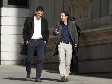 Pedro Sánchez y Pablo Iglesias a su llegada al Congreso