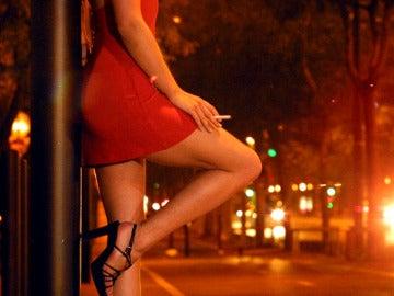 Imagen de archivo de una mujer ejerciendo la prostitución