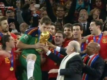 España alzó el Mundial de fútbol en 2010