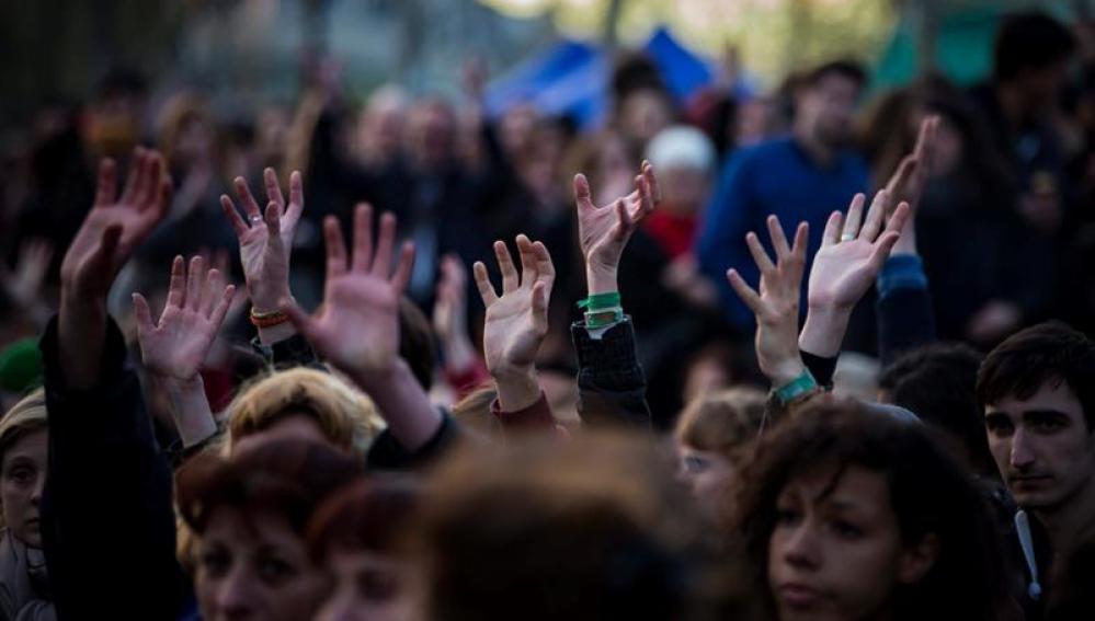 """Al menos 22 detenidos tras nuevos disturbios en París al margen de la protesta de la """"Noche en pie"""""""