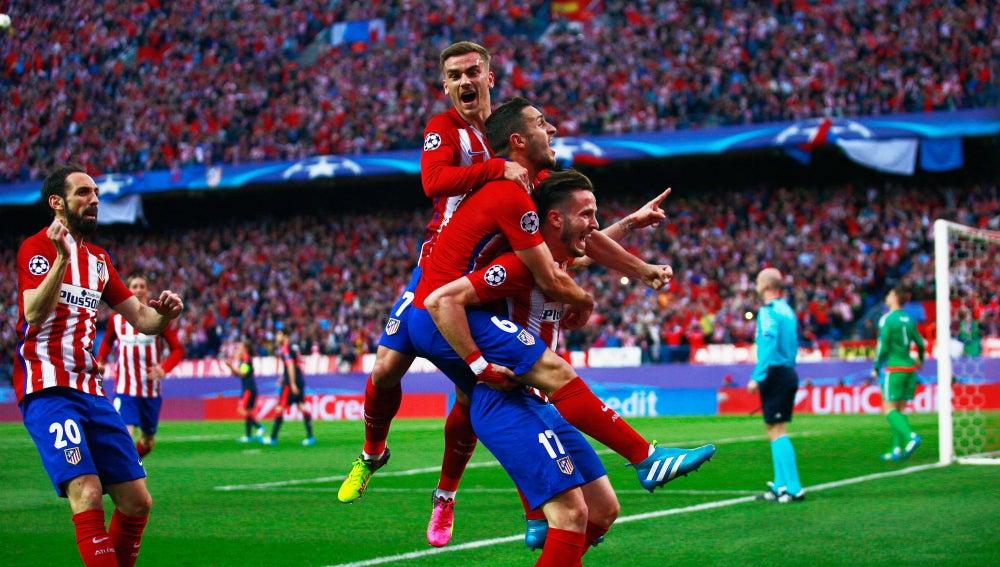 Saúl celebra su golazo al Bayern de Múnich