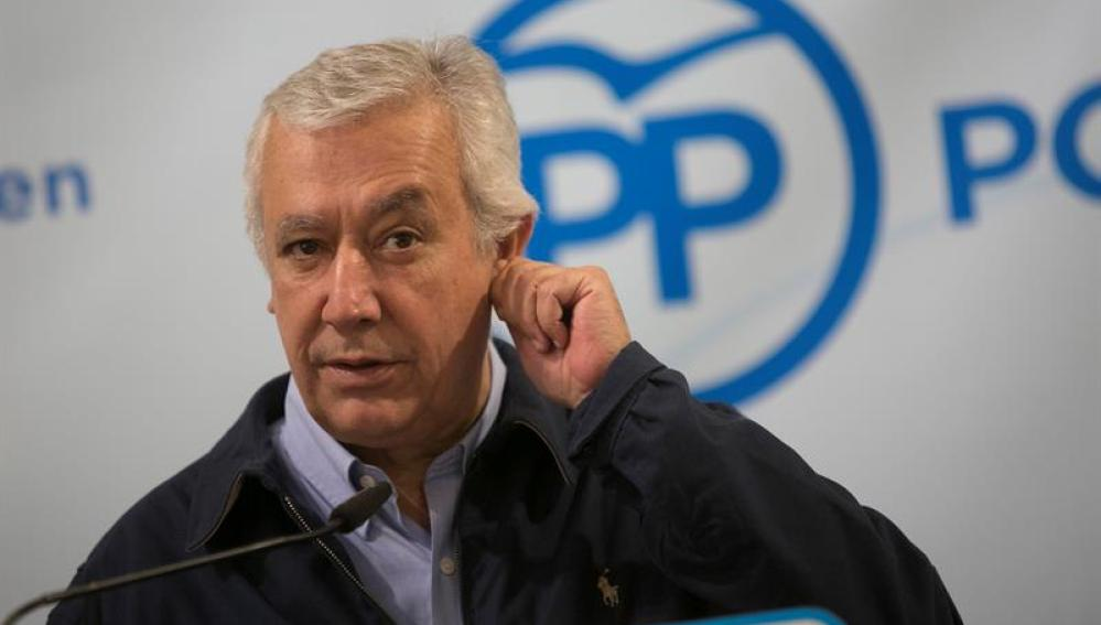 """Javier Arenas: """"Sánchez lo ha hecho tan bien que puede que el PSOE sea la tercera fuerza en las elecciones"""""""