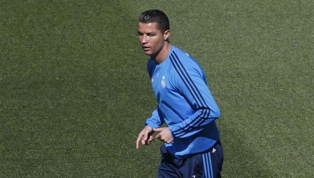 Cristiano Ronaldo, durante un entrenamiento con el Real Madrid