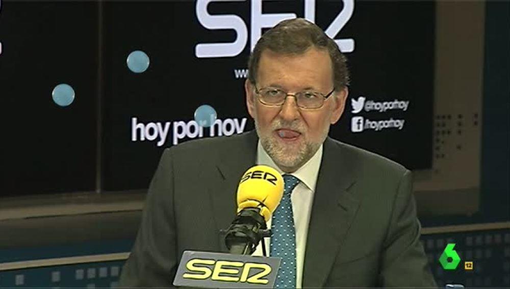 El nuevo pasatiempo de Mariano Rajoy: las burbujas de saliva