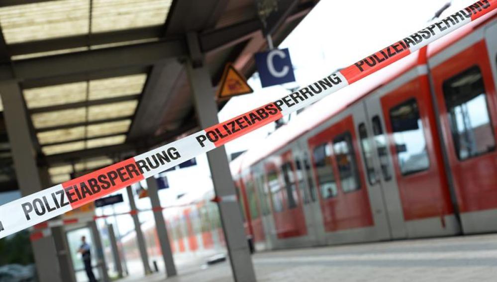 Un vagón de tren en la estación de Grafing cerca de Múnich