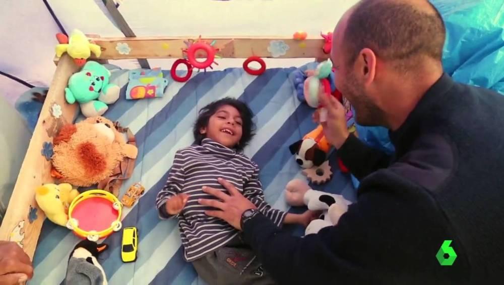 Osman, niño afgano con parálisis