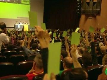 """Frame 5.408068 de: La CUP propone """"liberarse"""" del pacto con Junts pel Sí en una asamblea con la militancia"""