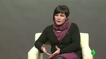 Azahara, directora de Obra de Acuamed