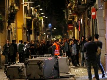 Varios manifestantes durante la protesta por el 'Banc Expropiat'