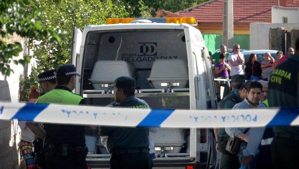 Continúa en la UCI el bebé herido en el incendio de Jaén en el que murieron cuatro personas