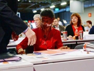 Una política alemana recibe un tartazo tras decir que el país no puede recibir más refugiados