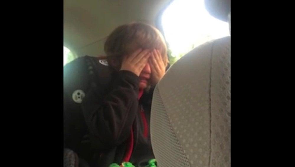 Henry Marr llorando