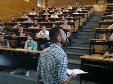 Estudiantes durante un examen de Selectividad