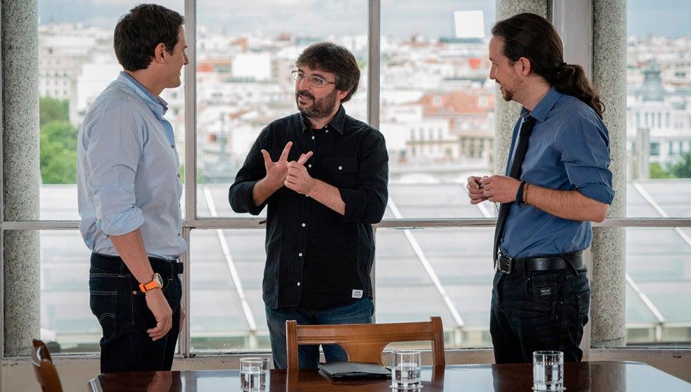 Jordi Évole entre Pablo Iglesias y Albert Rivera en Salvados
