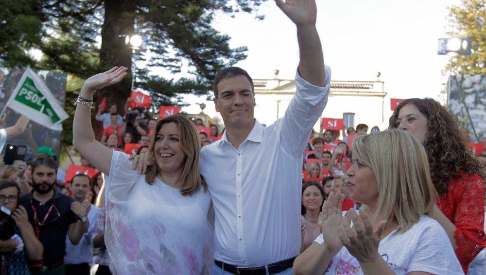 Susana Díaz y Pedro Sánchez, en un acto de campaña