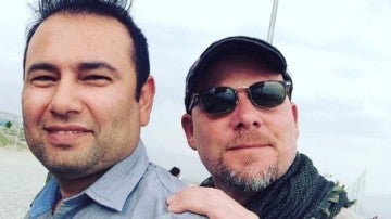 Imagen del reportero gráfico, David Gilkey y del intérprete afgano, Zabihullah Tamanna