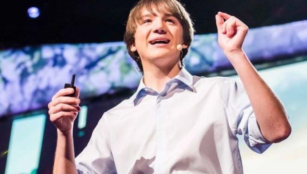 El joven de 18 años, Jack Andraka, inventa un método para detectar el cáncer en 5 minutos