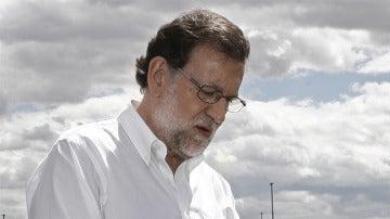 Mariano Rajoy en un campo de alcachofas