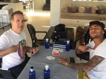 Wagner Ribeiro junto a Neymar