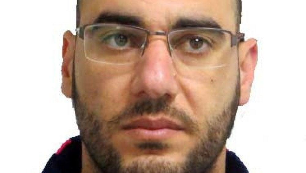 La Guardia Civil pide colaboración para encontrar al padre del bebé muerto en Níjar