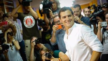 Albert Rivera antes de votar