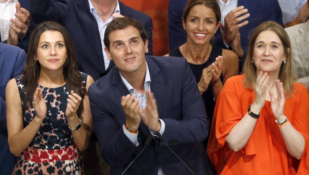 Albert Rivera junto a Inés Arrimadas y Marta Rivera de la Cruz