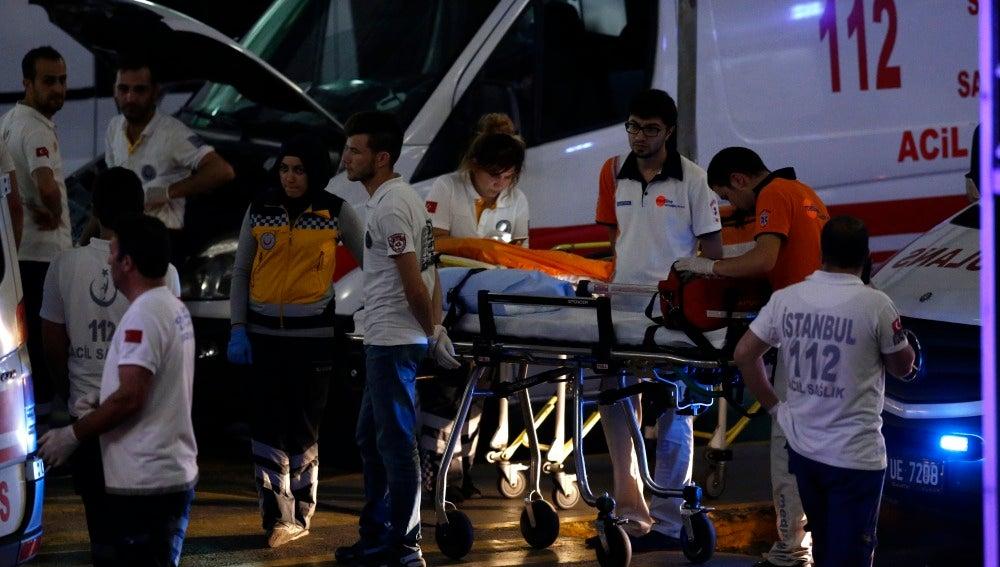 Heridos en el atentado en el Aeropuerto de Estambul